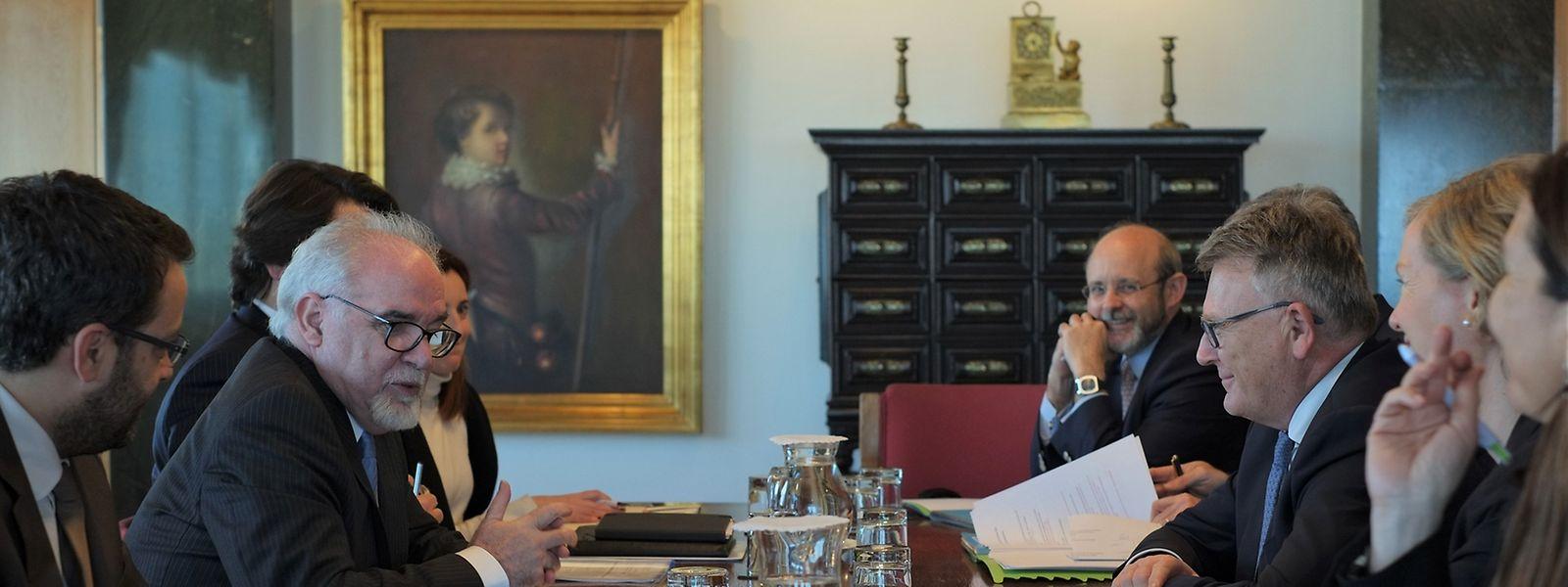 O ministro do Trabalho do Luxemburgo, Nicolas Schmit (à dta), esteve reunido esta tarde com o seu homólogo em Portugal, Vieira da Silva