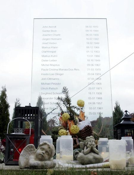 An der Absturzstelle erinnert ein Gedenkmonument an die 20 Opfer.