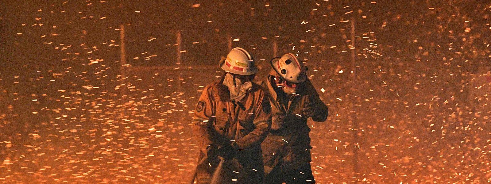 Die Erde brennt: Die Flammen können nur gebannt werden, wenn der Kampf gegen den Klimawandel miteinander ausgetragen wird.