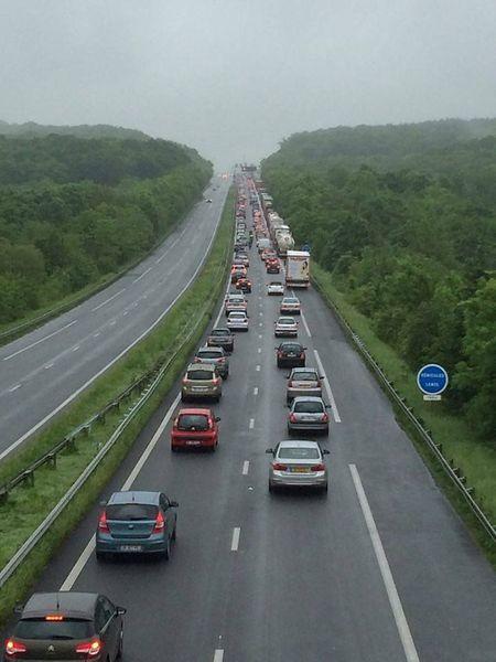 L'A31 en France, juste avant la frontière. Un quotidien éprouvant pour de nombreux salariés. Aux heures de pointe, le temps de trajet est au moins le double par rapport aux heures calmes: une heure au lieu de 30 minutes pour venir de Thionville.