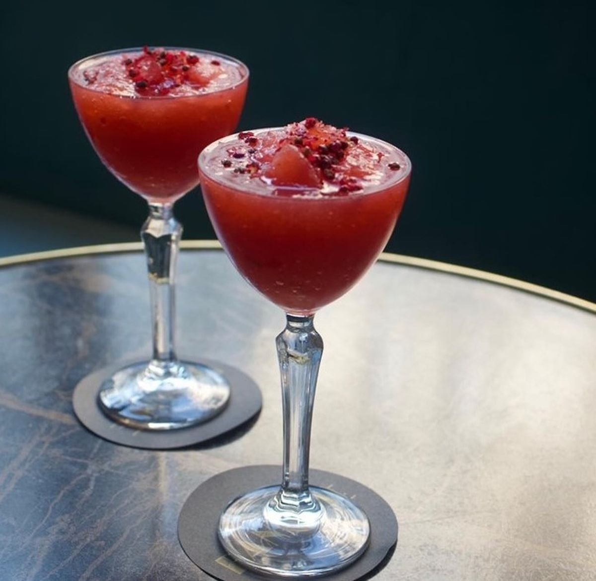 Strawberry and hibiscus frozé Photo: Paname
