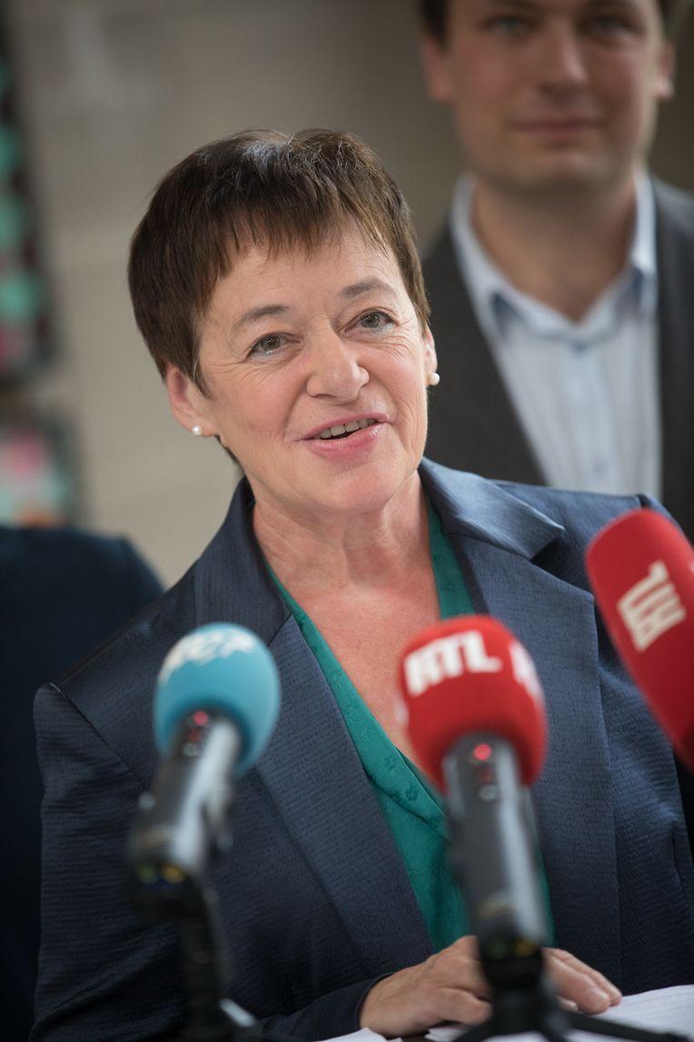 Josée Lorsché spricht auf der PRessekonferenz zum Bilan parlementaire von Déi Gréng.
