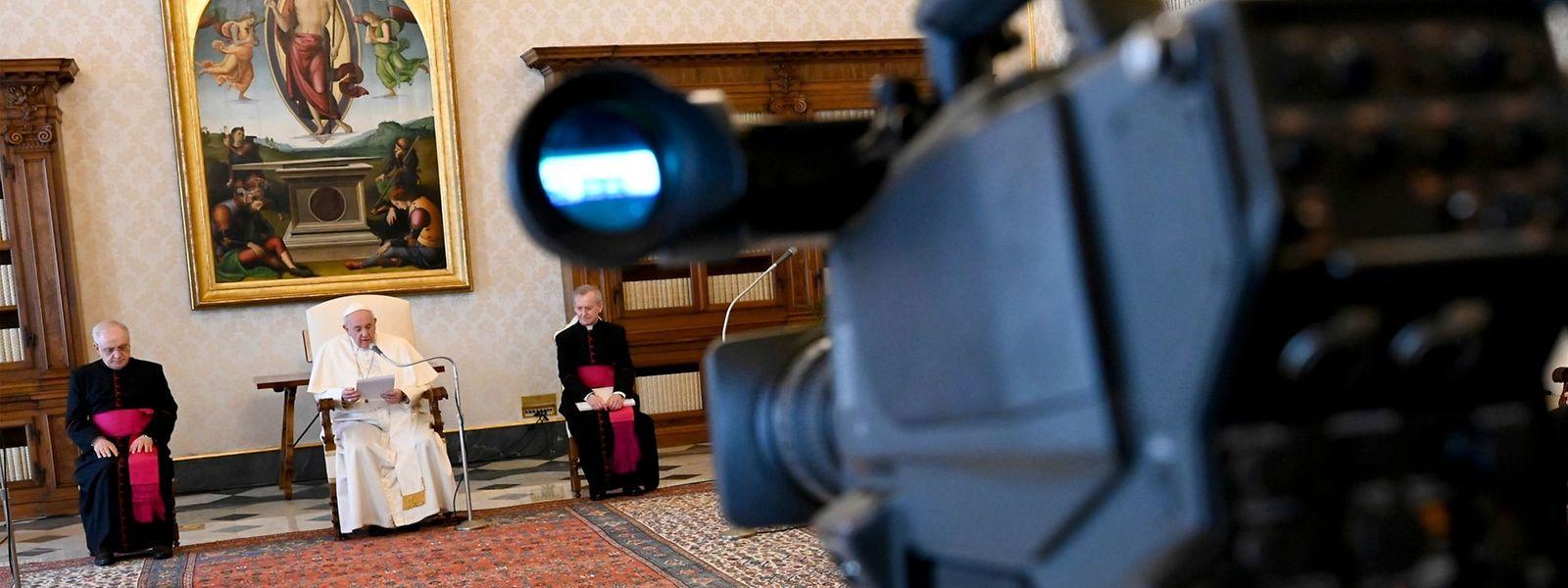 Le pape François s'est habitué à célébrer des offices ou adresser des messages loin des foules.