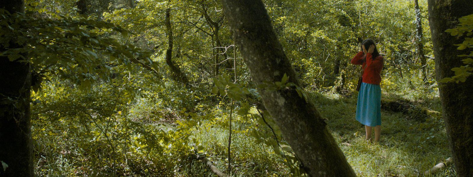 «W», une jeune femme perdue dans la forêt et dans la vie.
