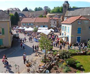 25. Blumenmarkt und Markt für Gartendeko in Rodemack  (F)