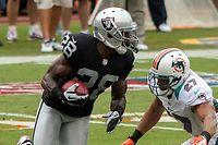 Phillip Adams (l.) hatte eine kurze, nicht sehr erfolgreiche Karriere in der NFL, die von Verletzungen überschattet war.