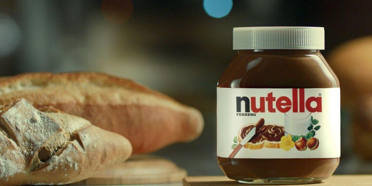 """Hoje, o tema do """"Café da Manhã"""" da Latina é o Dia Mundial da Nutella."""