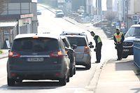 Lokales, Polizei am Freitag bei der Grenze in Remich, Coronavirus, Covid-19, Foto: Chris Karaba/Luxemburger Wort