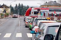 5.12. Sueden / Dippach-Gare / Bahnuebergang , Bahnschranke    Foto: Guy Jallay