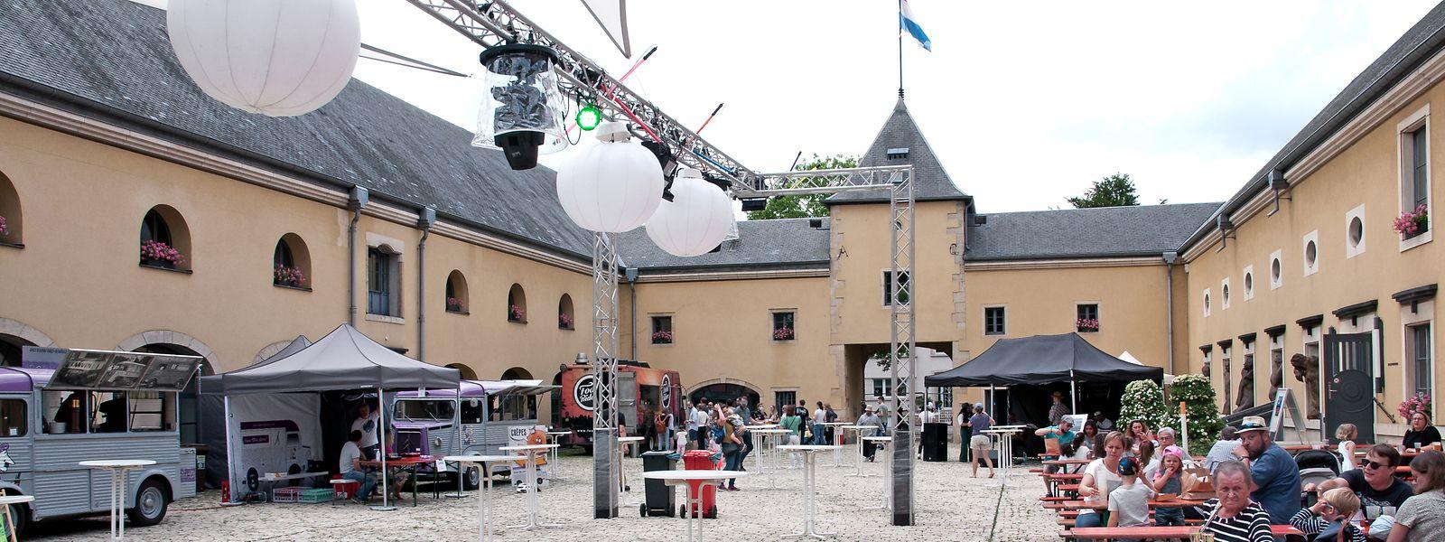 Im Innenhof des Bettemburger Schlosses konnte man seinen Hunger bei verschiedenen Foodtrucks stillen.