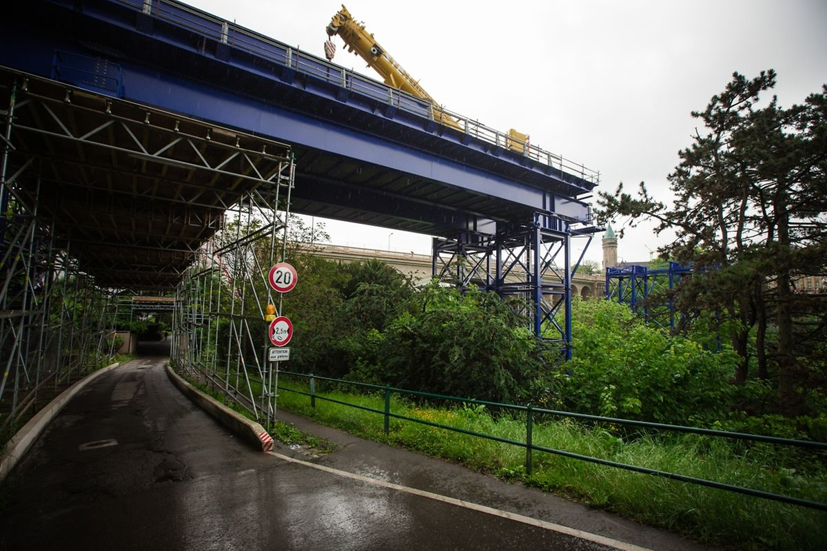 Das war's: Die blaue Brücke hat ihren Dienst geleistet.