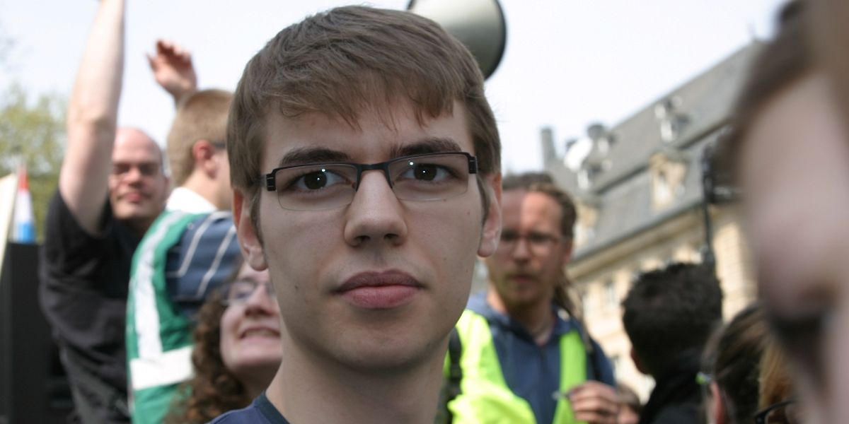 Überwältigt von der Menschenmenge: Pol Reuter, Unel-Vorsitzender, und Streikanführer gegen das Meisch-Gesetz der Studienbeihilfen.