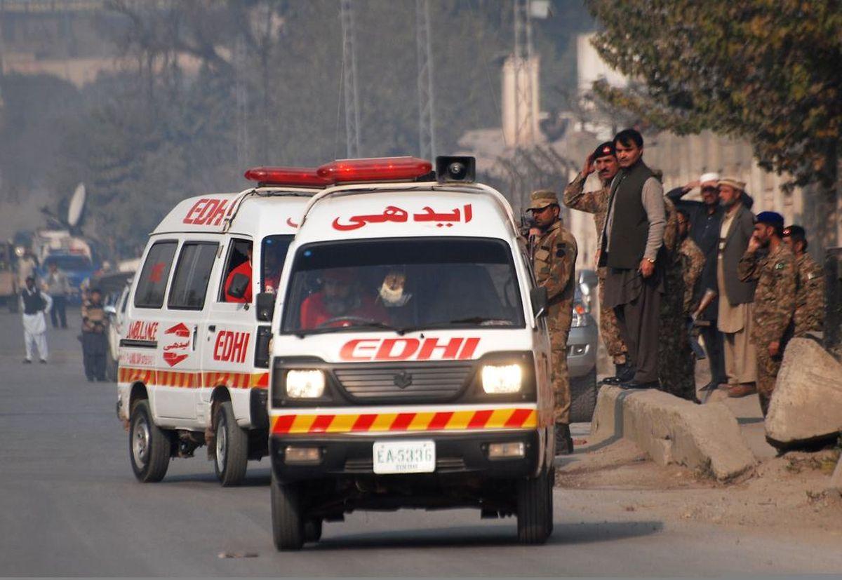 Die Rettungskräfte fanden kriegsähnliche Zustände vor.