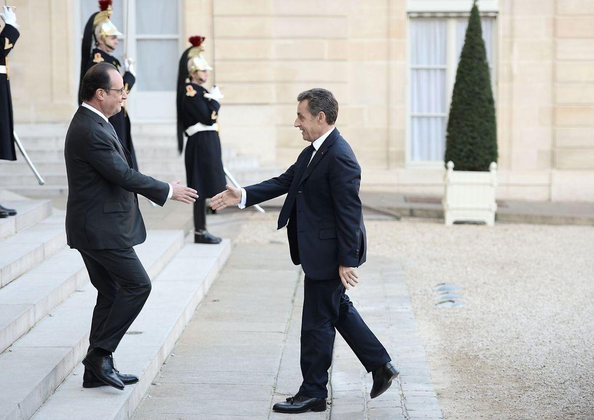 Dimanche matin, le président Hollande a reçu Nicolas Sarkozy