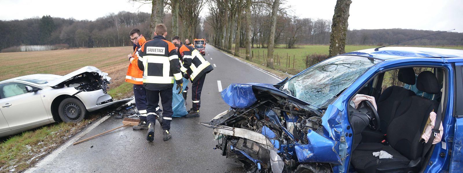 Zwischen Hostert und Redingen/Attert kam es am Dienstag zu einer Frontalkollision.
