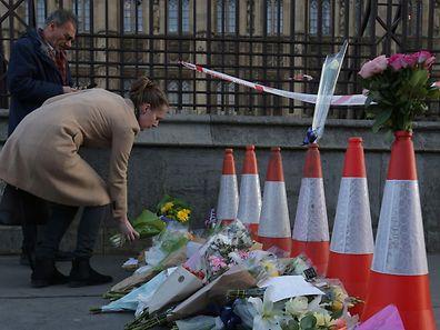 London trauert: Nach dem Terroranschlag vom Mittwoch ist die Zahl der Todesopfer auf fünf gestiegen.