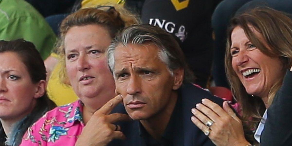 Karine Reuter, ici à gauche de Régis Brouard, le coach du Racing, aura la mission d'effacer les différends entre la LFL et la FLF.