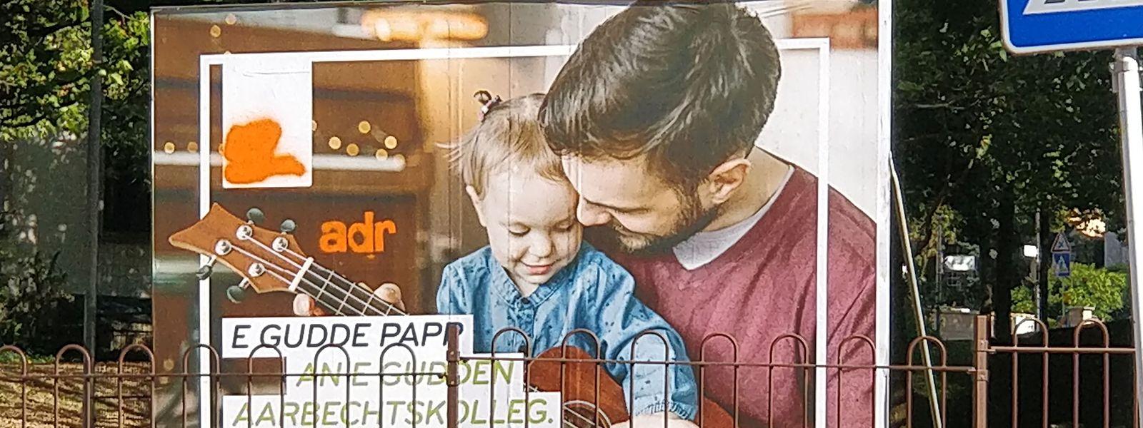 Um brincalhão converteu um poster de campanha do DP em propaganda do ADR.
