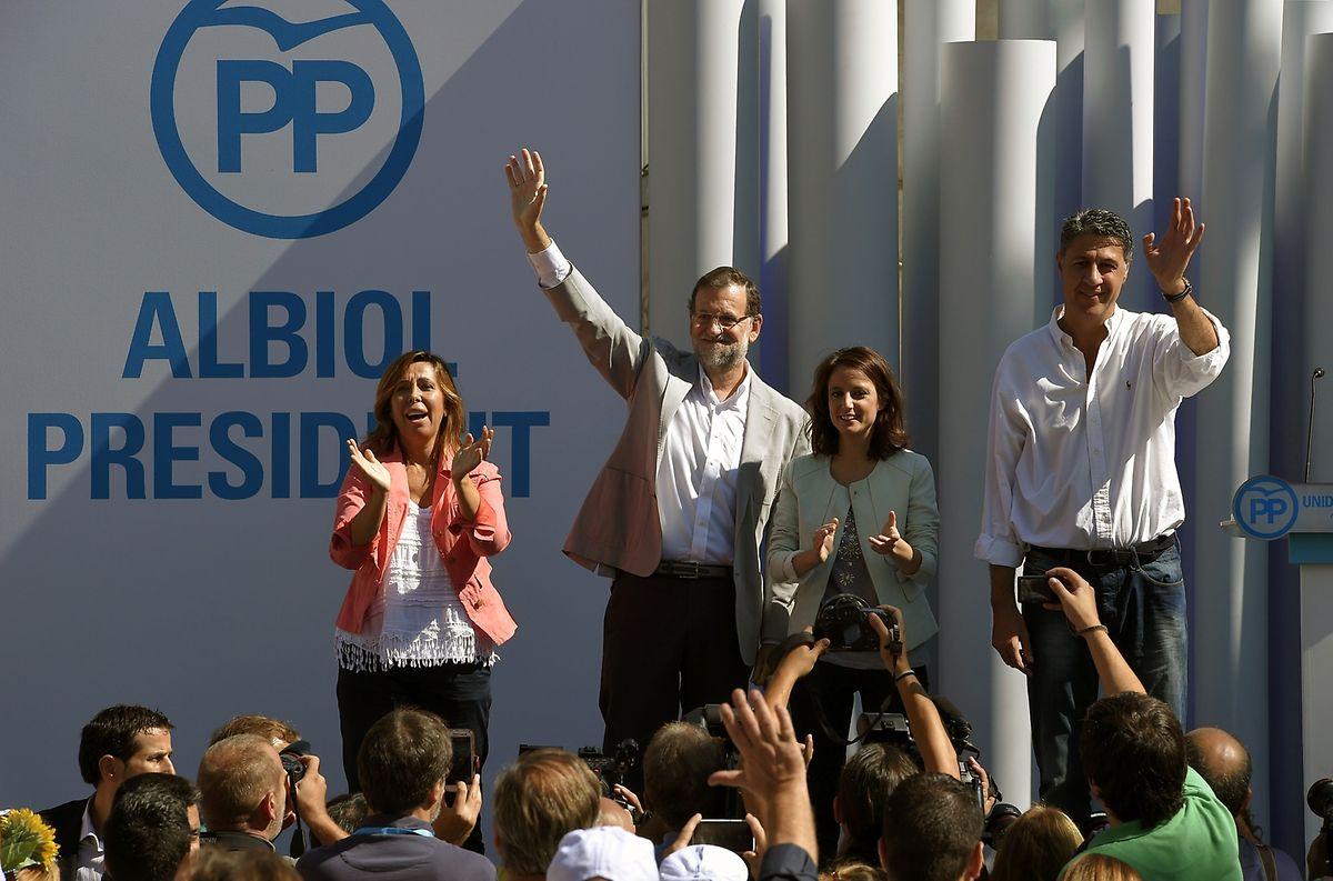 Manifestation électorale: le Premier ministre Mariano Rajoy avec le candidat du PP Xavier Garcia Albiol.