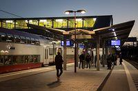 18.1. Gare Howald / Gare und Fussgängerweg Foto:Guy Jallay