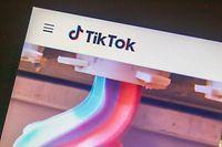 06.07.2020, USA, San Diego: Blick auf einen Monitor auf dem die Videoplattform TikTok geöffnet ist. Aus Angst vor dem neuen Gesetz zum Schutz der nationalen Sicherheit in Hongkong zieht sich die populäre internationale Videoplattform TikTok aus der chinesischen Sonderverwaltungsregion zurück. Foto: Rishi Deka/ZUMA Wire/dpa +++ dpa-Bildfunk +++