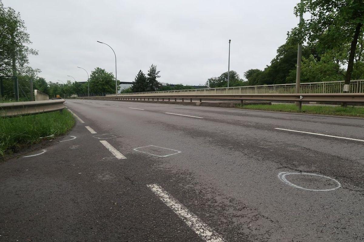 Der Unfall ereignete sich in Höhe der Autobahnbrücke zwischen Howald und Hesperingen.
