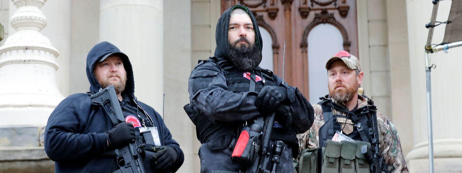 Der Staat Michigan erlaubt das offene Tragen von Schusswaffen. Das Parlament ist nicht von dieser Regelung ausgenommen.