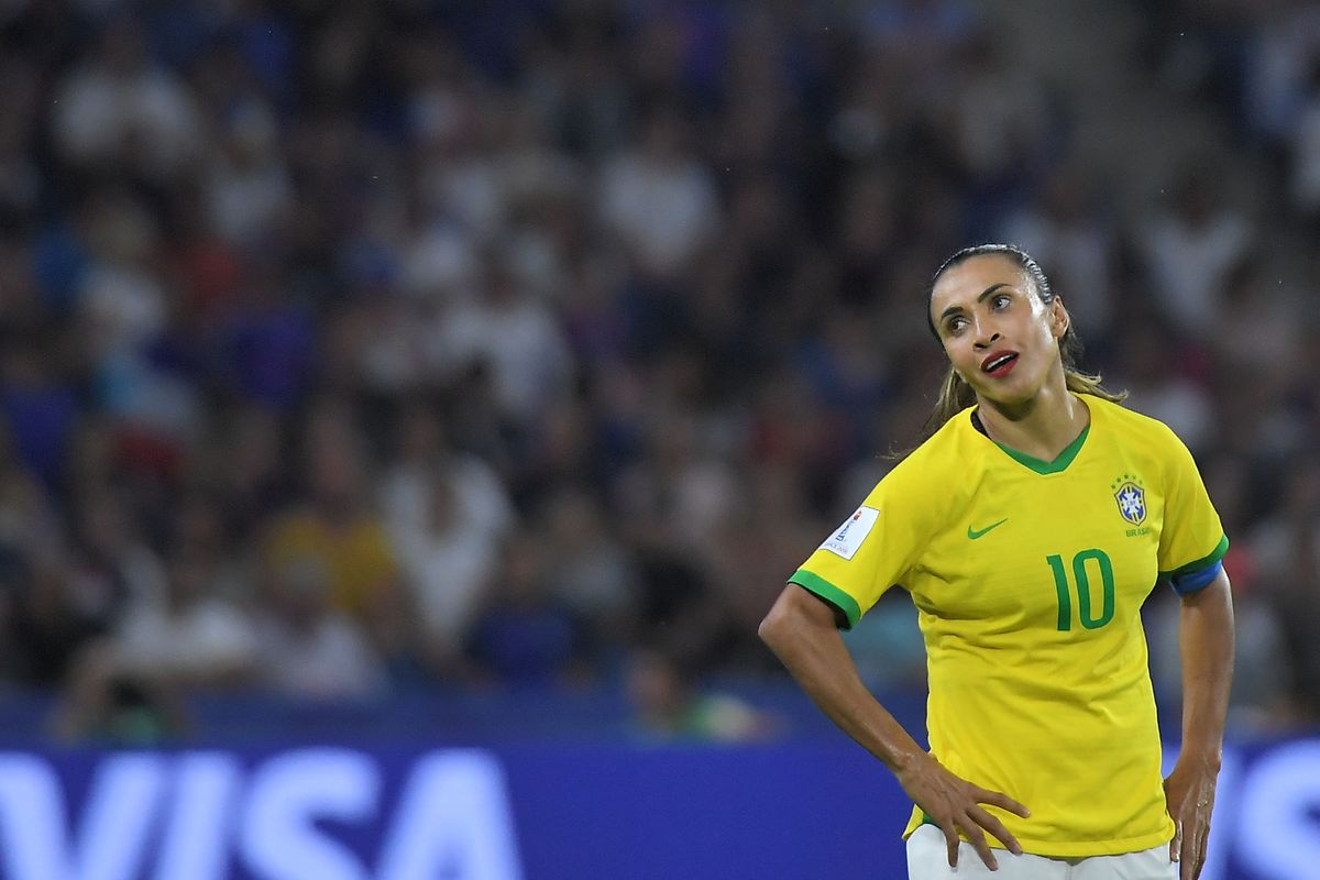 Brasiliens Stürmerin Marta ist bedient. Ihr Team scheidet nach Verlängerung aus.