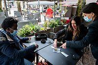 Wi , Corona Schnelltests in der Gastronomie , Innenbereich der Restaurants und Cafes  mit Schnelltest wieder offen, Foto:Guy Jallay/Luxemburger Wort