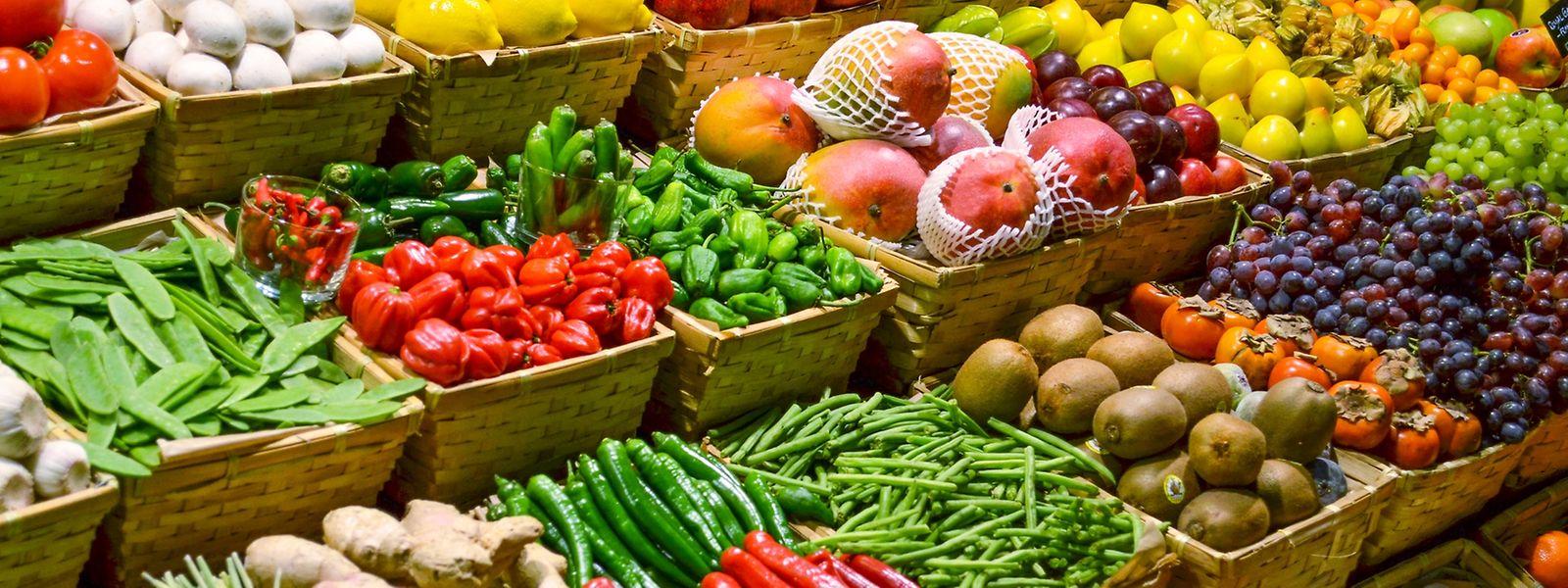 Obst und Gemüse wird es in Luxemburg zukünftig auch ohne Plastikverpackung geben.