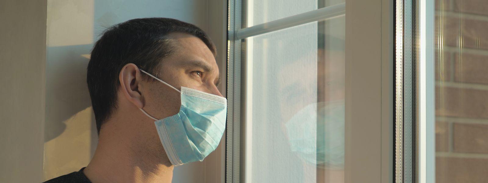 Wer nachweislich längeren Kontakt zu einem Covid-Infizierten hatte, der ist zu einer siebentägigen Quarantäne verpflichtet.