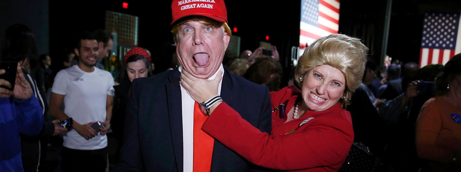 Vielerorts in der Welt hofft man, dass eine Kandidatin Hillary Clinton den rechtspopulistischen Hetzer Donald Trump schlagen kann.