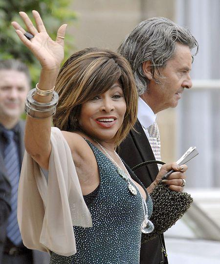 Vor dem Elysee-Palast im Jahr 2008: Tina Turner nach der Verleihung der Medaille der französischen Ehrenlegion.