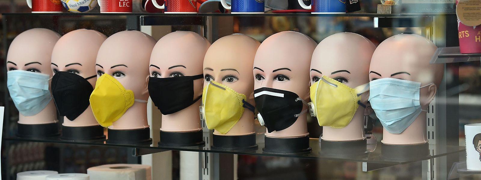 Le port du masque restera obligatoire à l'intérieur des magasins.