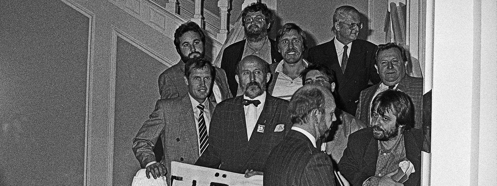 """Bei der """"Treppenbesetzung"""" im Oktober 1989 war Jup Weber (vorne rechts) mit von der Partie."""