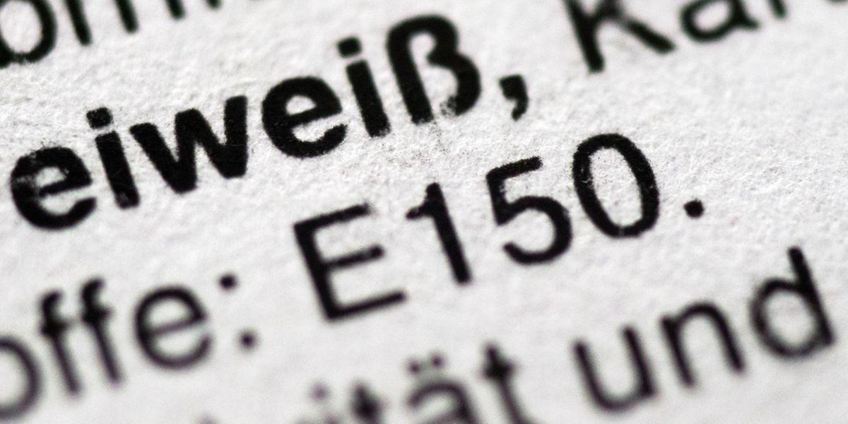 Was sich konkret hinter einer E-Nummer verbirgt, wissen die wenigsten. Die Nummern werden von der EU für zugelassene Zusatzstoffe vergeben, wie etwa für Zuckerkulör.
