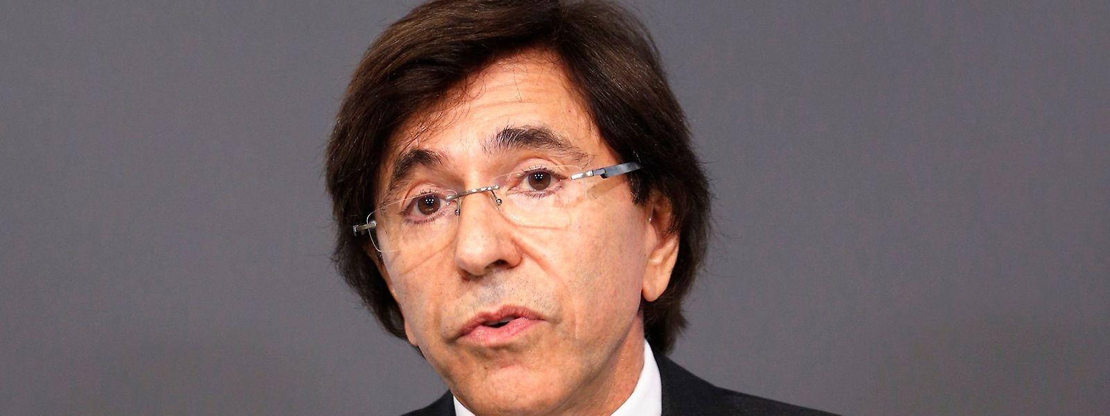 Elio Di Rupo doit reconnaître que les plans de sortie de crise covid pour la Wallonie n'ont pas porté leurs fruits.