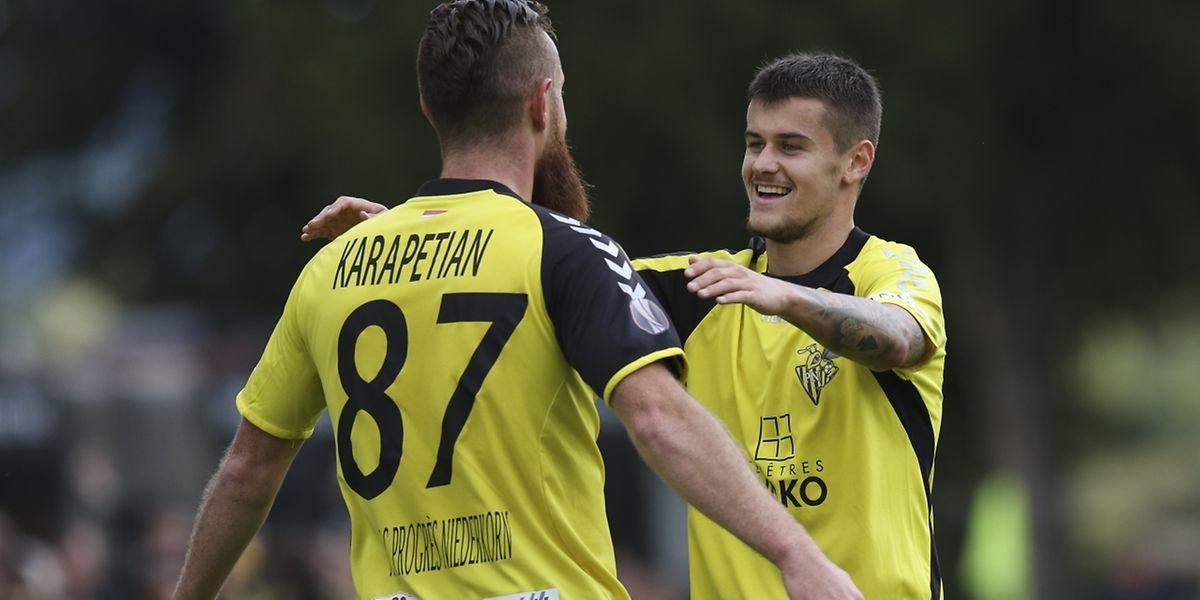 Alexandre Karapetian félicité par Olivier Thill. Le Progrès a enfin remporté le derby après quatre années de disette.