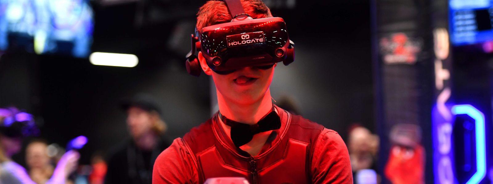 Plonger dans Angry Birds Movie mais avec un casque de réalité virtuelle: voilà une des attractions du salon.
