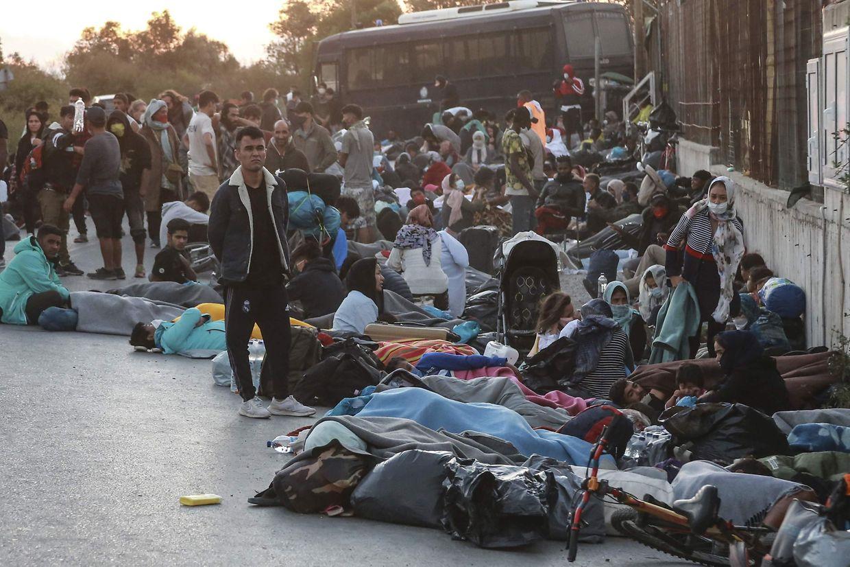 Tausende Flüchtlinge sind durch das Feuer obdachlos geworden.