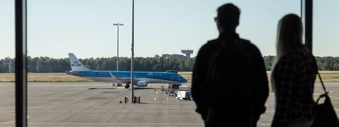La fermeture de la piste du Findel a entraîné de nombreux désagréments. Des passagers sont restés cloués à l'aéroport la nuit. A Luxembourg mais aussi Francfort-Hahn ou Liège par exemple.