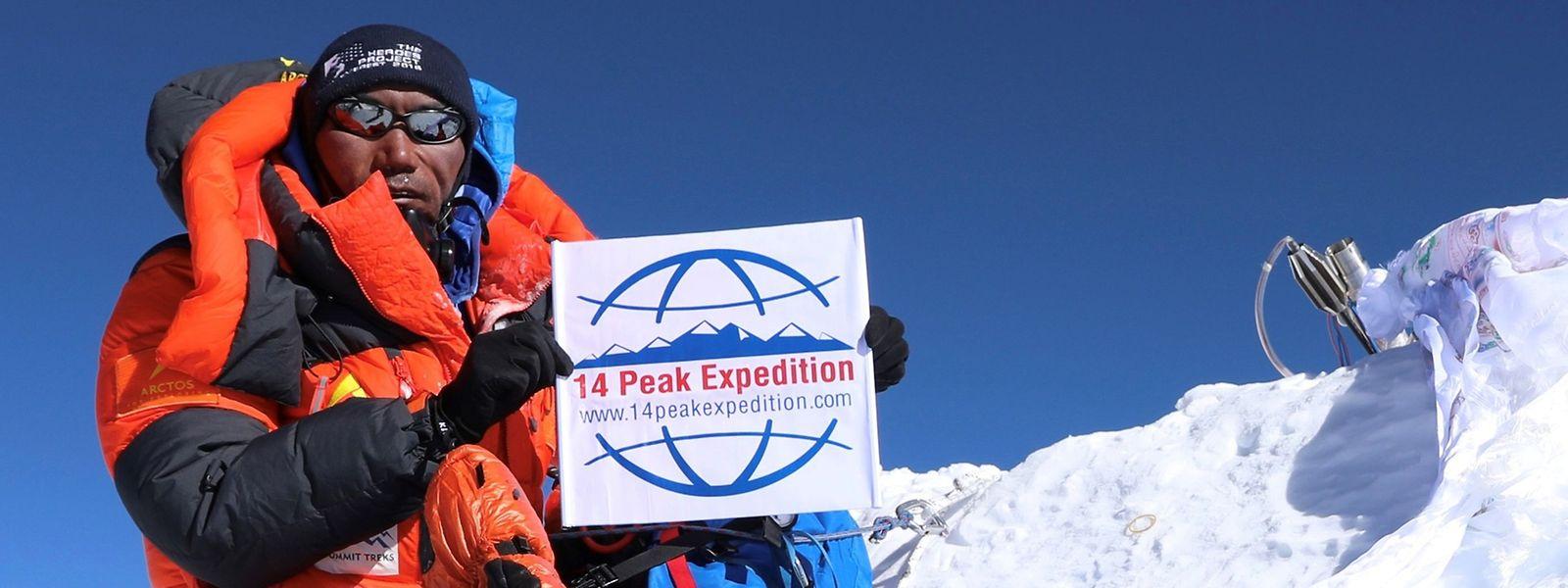 Kami Rita Sherpa auf dem 8848 Meter hohen Gipfel.