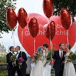 Suíços votaram hoje a favor a favor do casamento entre pessoas do mesmo sexo