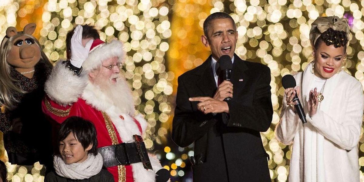 Am zweiten Advent hat Obama noch mit dem Weihnachtsmann ein Liedchen gesungen, doch am Sonntagabend wendet er sich ernsteren Themen zu.