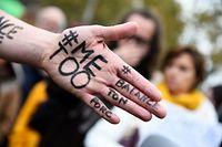 Täglich melden sich neue mutmaßliche Opfer wegen sexueller Belästigung zu Wort.