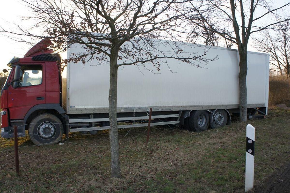 In den Unfall war auch ein Lastwagen verwickelt.