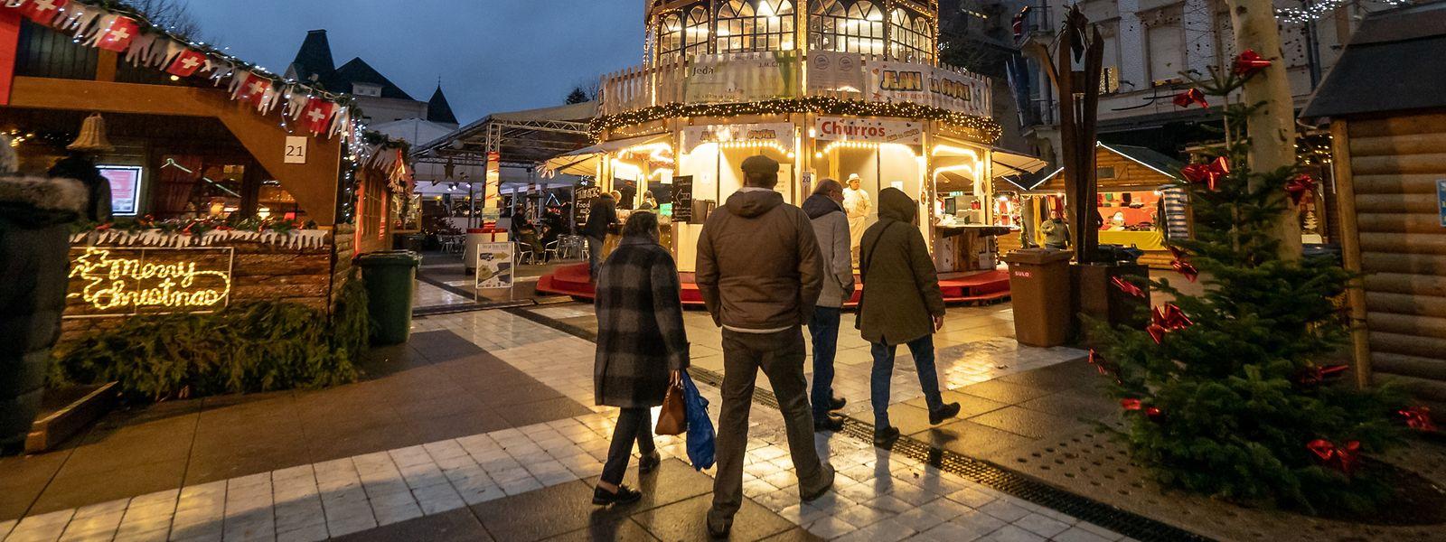30 Schausteller sind auf dem Marktplatz, entlang der Rue Emile Mark und in der Fußgängerzone anwesend.