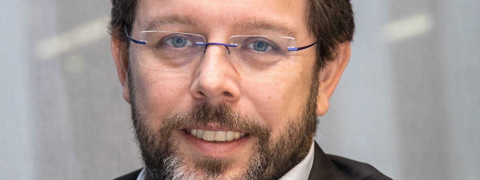 Nicolas Henckes a notamment occupé les fonctions de directeur de l'Institut national pour le développement durable et la responsabilité sociale des entreprises, par le passé.