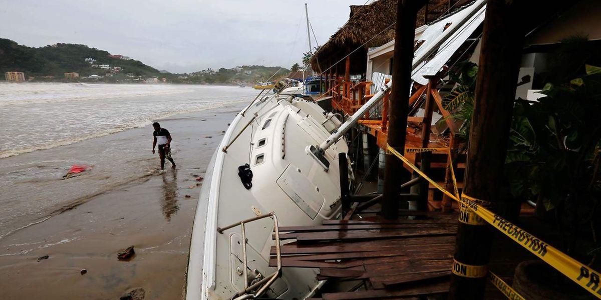 """Nate"""" ist nach """"Harvey"""" und """"Irma"""" der dritte Hurrikan innerhalb von nur sechs Wochen, der das US-Festland trifft."""