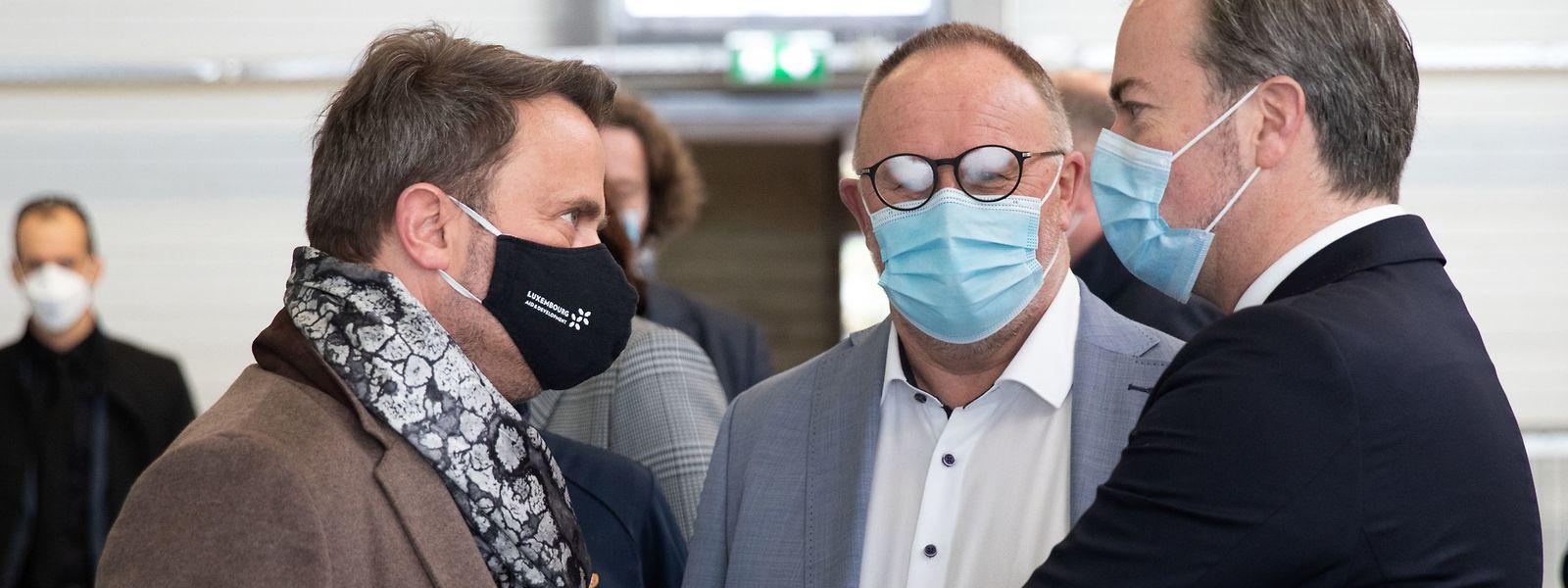 Lundi, au nouveau centre du Findel, Xavier Bettel et Romain Schneider (ministre de la Sécurité sociale) ont fait le point avec le haut-commissaire à la protection nationale sur l'avancée de la vaccination.